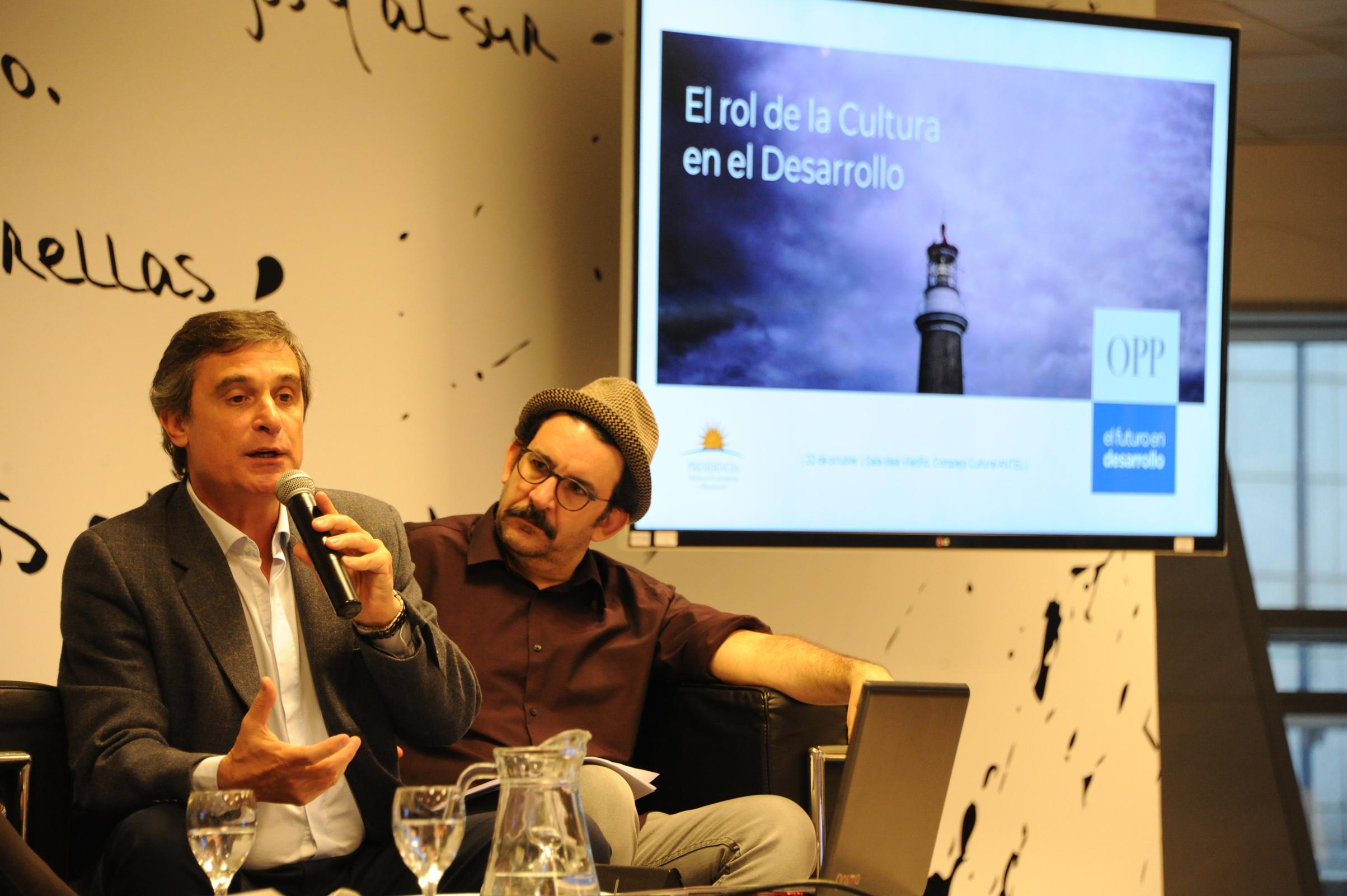 Álvaro García en presentación de informe sobre valores y creencias de los uruguayos