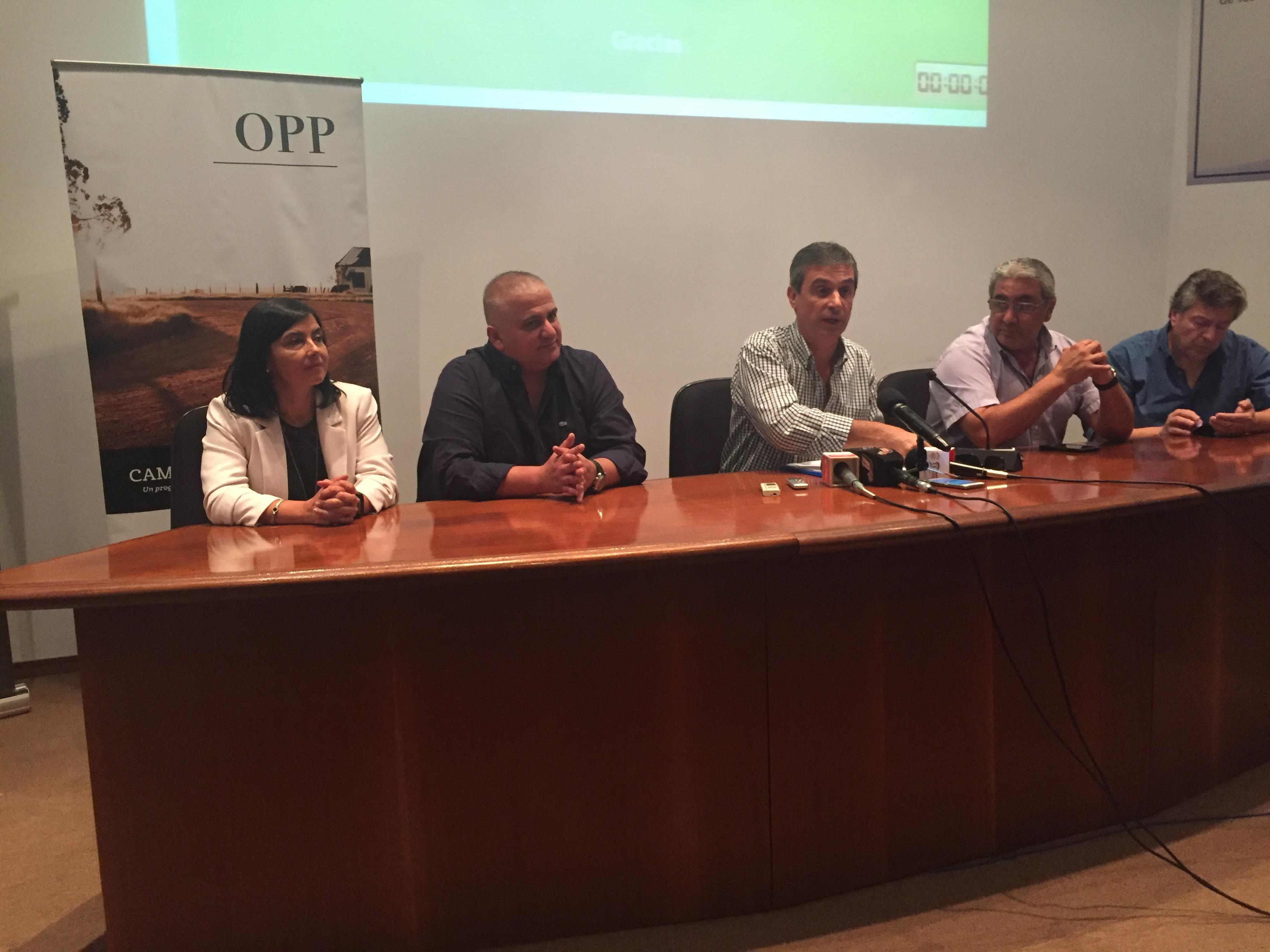 El director de OPP presenta en Treinta y Tres el proyecto de reconstrucción de la ruta 98