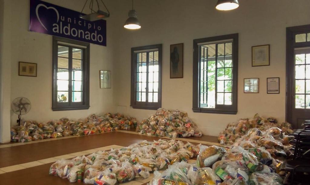 Trabajo para entrega de canastas en Municipio de Maldonado